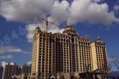 项目高层住宅建筑立面设计延用了经典的欧式建筑元素
