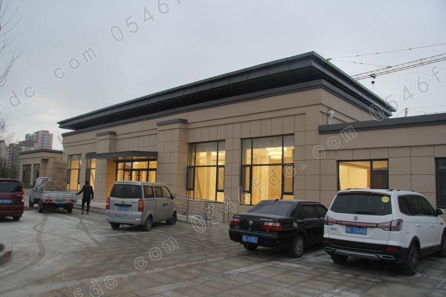 农贸市场,   和蓝海国际大酒店,万达广场,东营银行等组成10分钟都市